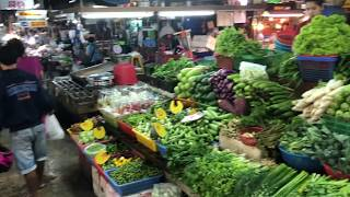 Thailand April 2018 VLOG 9 - Walking around Pattaya in The middle of the night