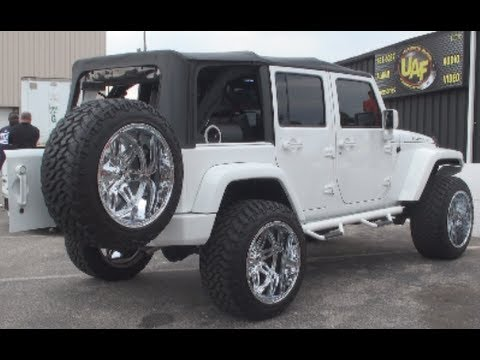 SUPER CLEAN JEEP RUBICON INSTALL BY ULTIMATE AUDIO AND