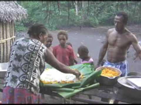 Vanuatu - Making Laplap (food)