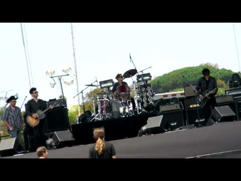 Black Rebel Motorcycle Club sound check Beat The Devils Tattoo Del Mar 72911 HD