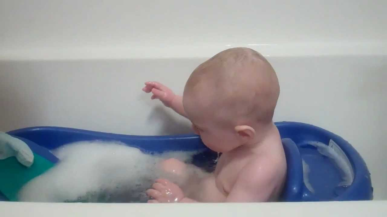 6 Month Old Baby C Splashes In The Bathtub Youtube