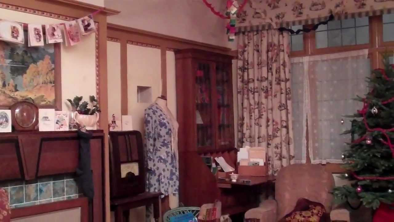 The 1940s house decorated for christmas youtube for 1940s decoration