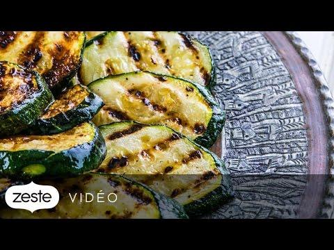 comment-préparer-une-salade-de-courgettes-grillées-et-de-noisettes- -zeste