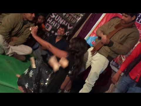 - Aawa Chek Kari Rani Chester Me Bhojpuri Arkestra
