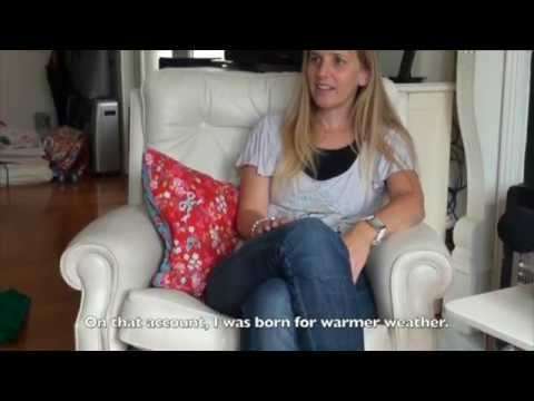 A Frisian girl in Melbourne in Frisian language (Dutch TV S02E02)