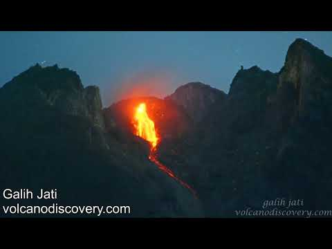 download Merapi Volcano Lava Dome Collapsed Night Time at 29 December 2018