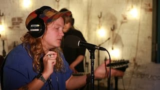 Kate Tempest -  Grubby (6 Music Live Room Session)