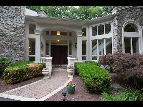1742 Central Park Upper Macungie, PA 18069
