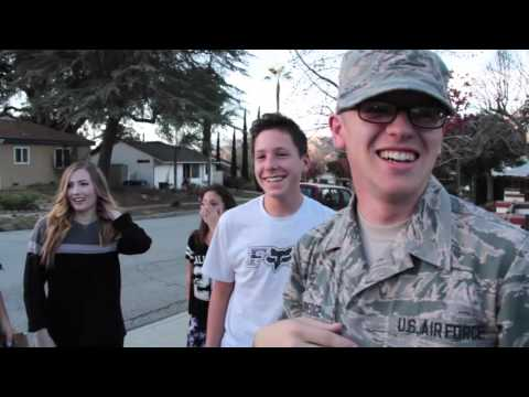 Soldier Coming Home: Airman Surprises Family for Christmas