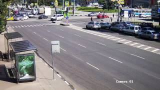 6.06.2016 - Столкновение Audi Q7 и Geely - ДТП на перекрестке Гагарина-Молочная