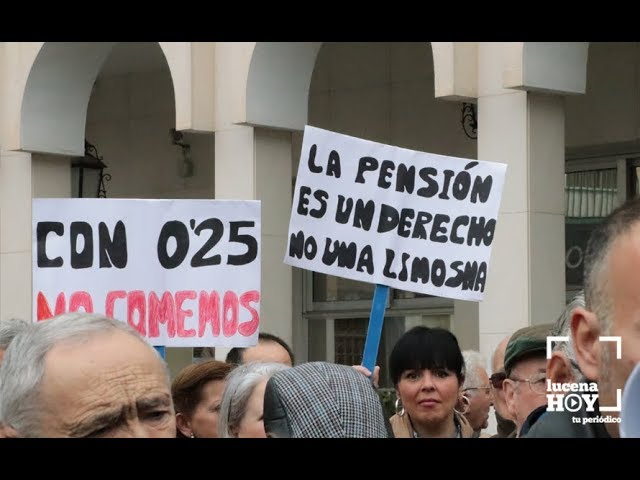 VÍDEO: Por unas pensiones dignas. Unas 500 personas secundan la convocatoria en Lucena