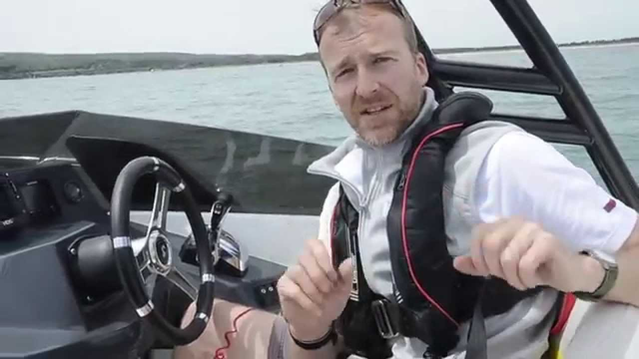 200hp suzuki outboard review motor boat yachting youtube for Suzuki outboard motors reviews