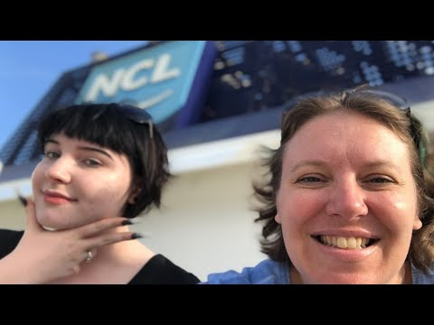 Breakfast - Ships - Bugs - Disembarking | Norwegian Sun Cruise Vlog