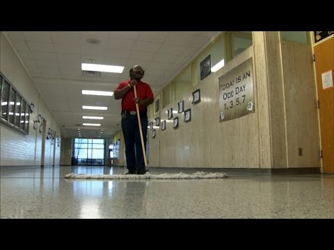 High School Janitor Entertains Students By Singing All Day Long
