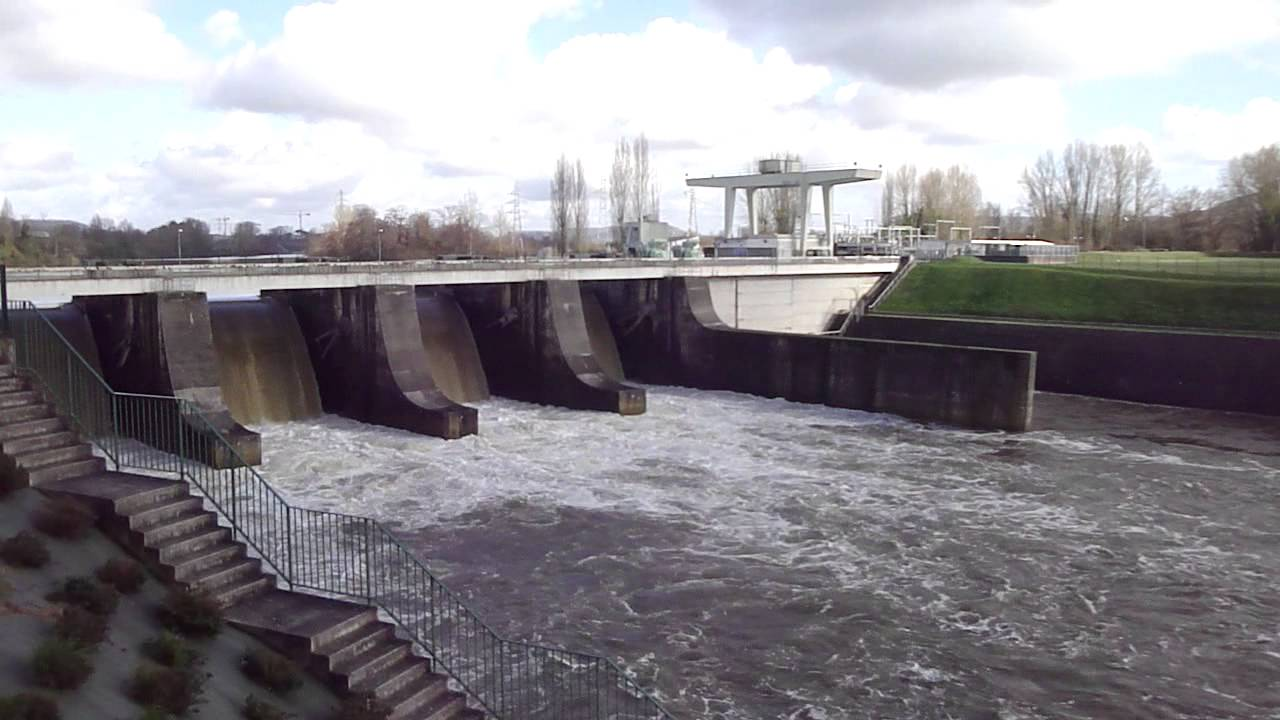 Le barrage de villeneuve sur lot 47 youtube for Chambre de commerce villeneuve sur lot