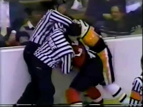 Dave Poulin vs Mike Bullard