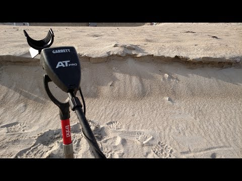 Metal Detecting Hunt #36 - Beach-hopping and coins