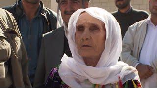 Kobani granny & other refugees desperate to halt ISIS at Turkey-Syria border