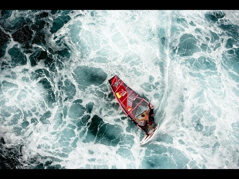 Robby Naish – A windsurfing legend at Hookipa Beach Maui, Hawaii