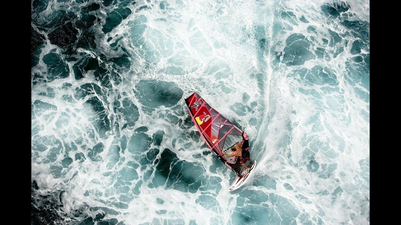 Robby Naish – A windsurfing legend at Hookipa Beach Maui, Hawaii