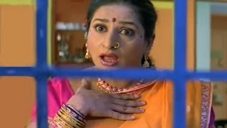 Bharat Jadhav enters from back Door - Saali ne Kela Ghotala Comedy Scene
