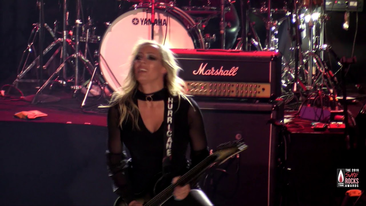 """Nita Strauss Performs """"The Show Must Go On"""": The 2019 She"""