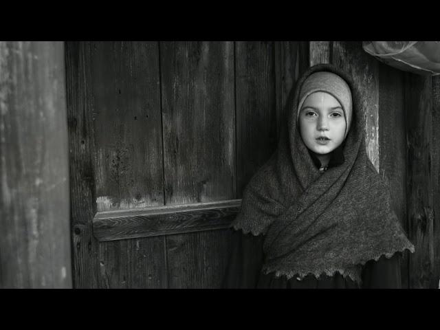 Изображение предпросмотра прочтения – МарияПолякова читает произведение «Побирушка» С.А.Есенина