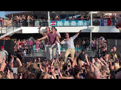 80s Baby - NKOTB Cruise X 2018 - Sail Away Party
