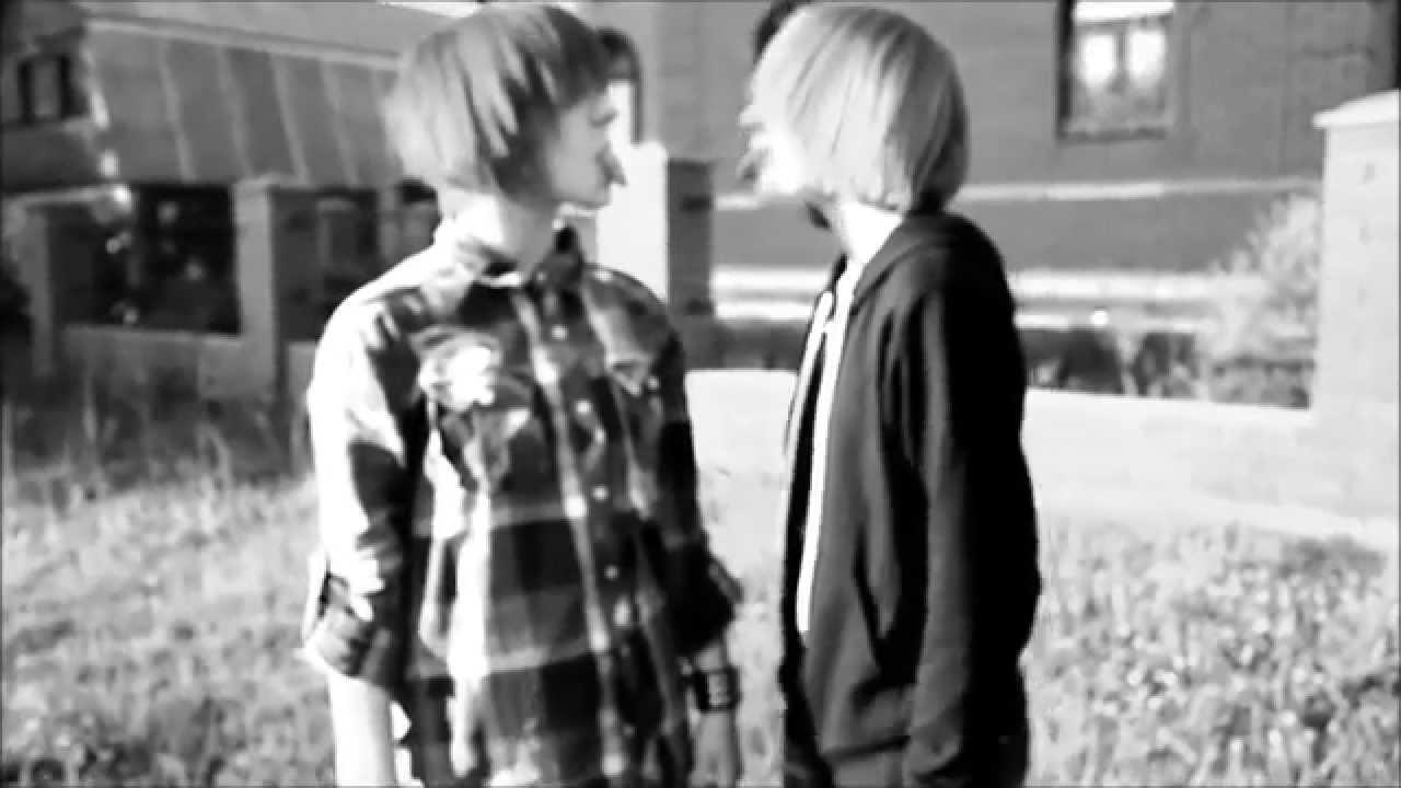 Видео как гомики целуются фото 459-517