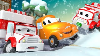 Tom the Tow Truck -  Amber the AMBULANCE can't start his ENGINE - Car City ! Trucks Cartoon for kids