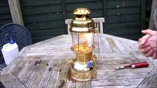 Lighting the Petromax HK500 Paraffin Lamp