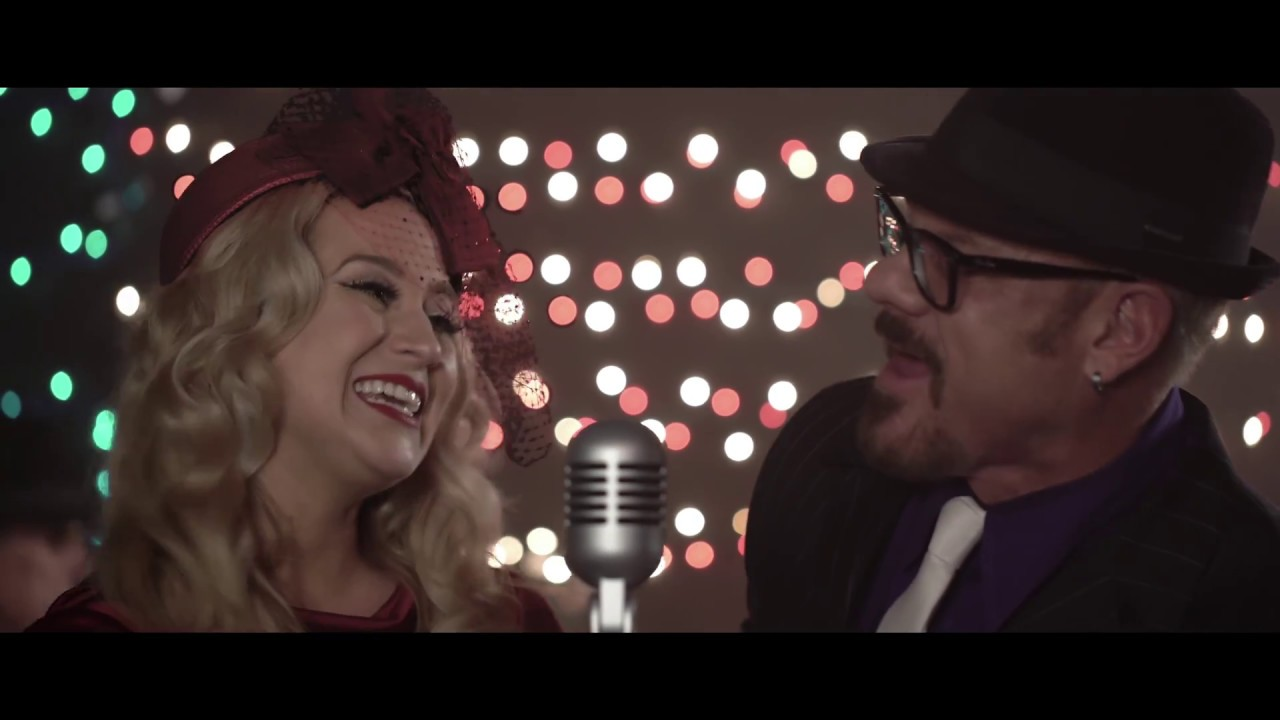 Kellie Pickler & Phil Vassar - The Naughty List