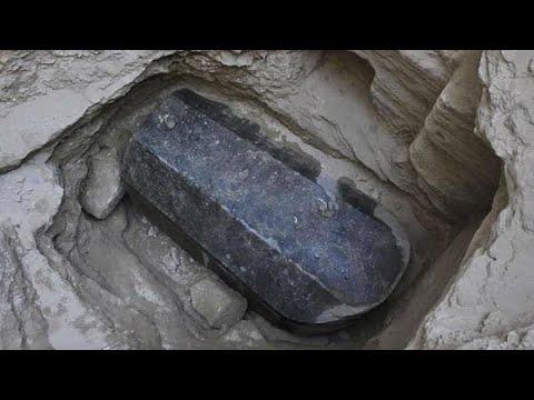 وزارة الآثار المصرية تفتح تابوت الإسكندرية وتكشف عما بداخله…  - نشر قبل 1 ساعة