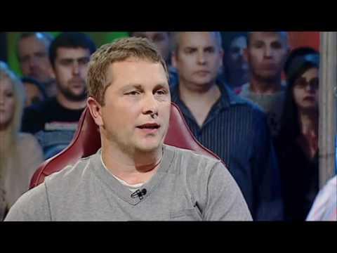 Top Gear Australia - Dick Johnson in Peter Brocks A9X Torana