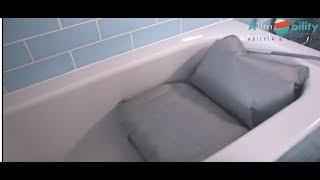 Cuscino Da Bagno Confort Allmobility Per Entrare Ed Uscire Dalla Vasca In Sicurezza Youtube