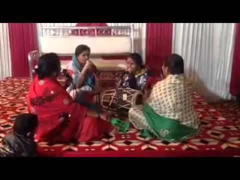Ladies Singing DJ Wale Babu