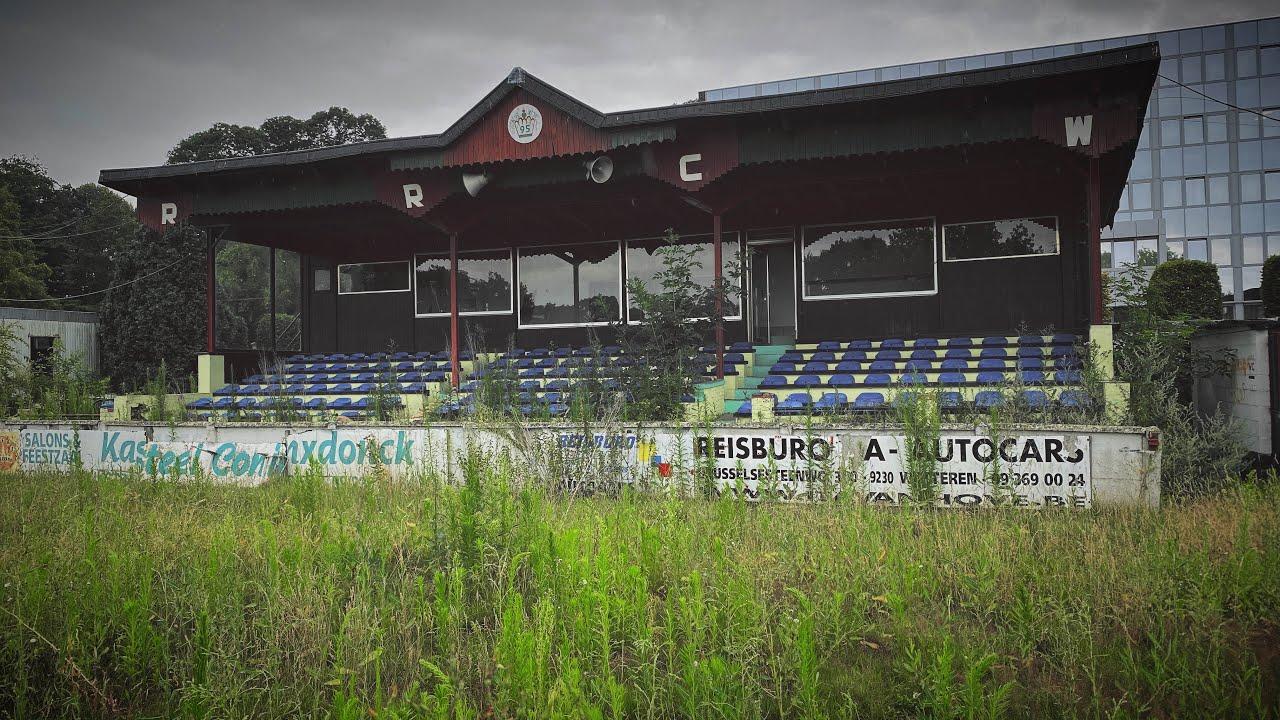 Urban Exploring; Abandoned Soccer Field + Surroudings! [2020]