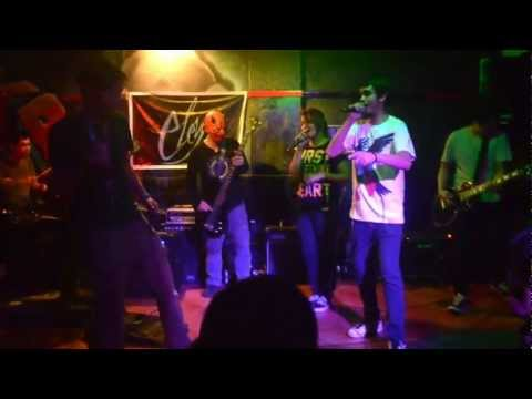 HOODLUM - CHUPOY FT. ELAINE & BOMBEE LIVE @ BLACK KINGS BAR   ELEYN EP LAUNCH