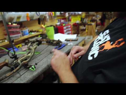 Attaching a Kisser button and Peep sight