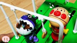 アンパンマン VS バイキンマン おもちゃ アニメ❤パン食い競走 子どもと一緒に遊ぼう❤競争 勝対 決負 ゲーム おかあさんといっしょ Toy Kids トイキッズ anpanman thumbnail