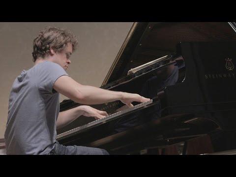 Benjamin Grosvenor Plays Mozart Piano Concerto No. 27, K.595 - Live 2016