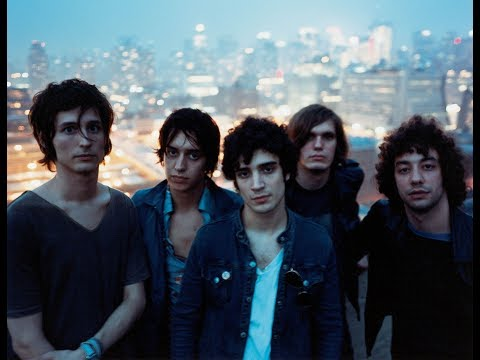 The Strokes - Between Love & Hate (Subtitulada Esp - Lyrics)