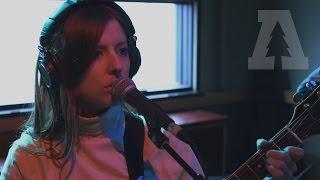 Смотреть клип Molly Burch - Torn To Pieces