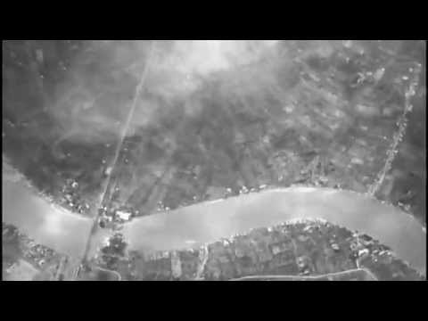 เครื่องบิน B-24 ทิ้งระเบิดสะพานพระราม 6 กรุงเทพ เมื่อวันที่ 14 ธันวาคม ค.ศ.1944 หรือปี พ.ศ.2487