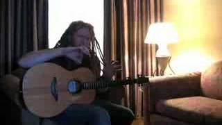 Newton Faulkner: Acoustic Guitar Throwdown