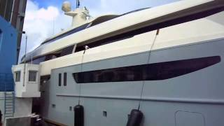 Super Yacht Azteca Crashes into bridge attempting to squeeze through. - Via: Stoolie.tv