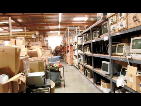 Random Bits 0174: Behind the Scenes look at WeirdStuff Warehouse