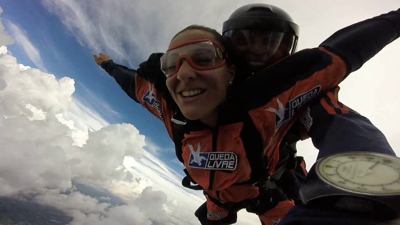 Salto de Paraquedas da Joyce na Queda Livre Paraquedismo 29 01 2017
