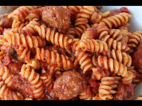 Pasta Sauce With Spicy Italian Sausage, Mushrooms, Garlic, Basil & Oregano Recipe