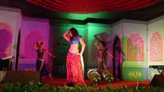 Saniya Mumbaikar Dancing on ३६ नखरेवाली   Chattis Nakhrewali-Sangharsh Movie Song   Swaradhin Shows